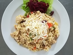 Bulgurové rizoto s kuřecím masem a zeleninou