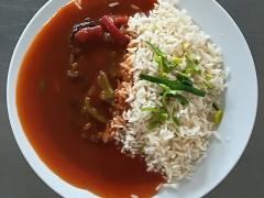Cikánská roštěná, dušená rýže