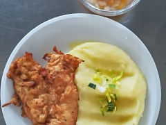 Křimický řízek, bramborová kaše