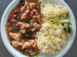 Kuřecí čínská směs, kari rýže