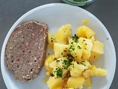 Staročeská sekanina, vařený brambor