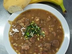 Vepřové maso s fazolemi, rozpek s chia semínky