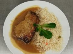 Vepřový plátek, dušená zeleninová rýže