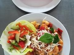 Bramborové noky s pečenými rajčaty a bazalkou