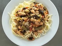 Kuřecí čínská směs, špagety