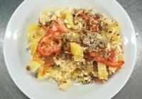 Srbská musaka (zapeč.květák, rajčata, vařený brambor, vepř. ml. maso, sýr cihla)