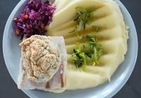 Treska s bylinkovou krustou, bramborová kaše