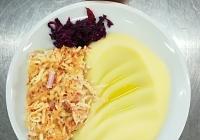 Zapečený celer se šunkou, bramborová kaše